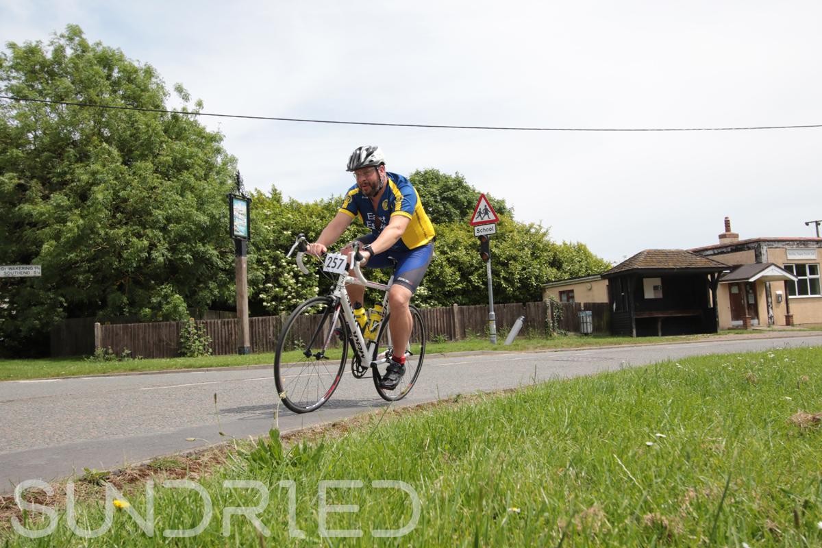 Southend-Triathlon-Cycle-Photos-in-Barling-Corner-217.jpg