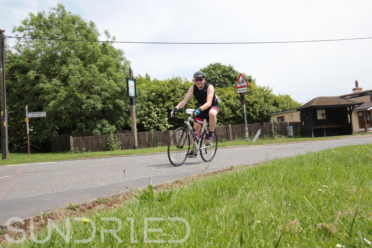 Southend-Triathlon-Cycle-Photos-in-Barling-Corner-219.jpg