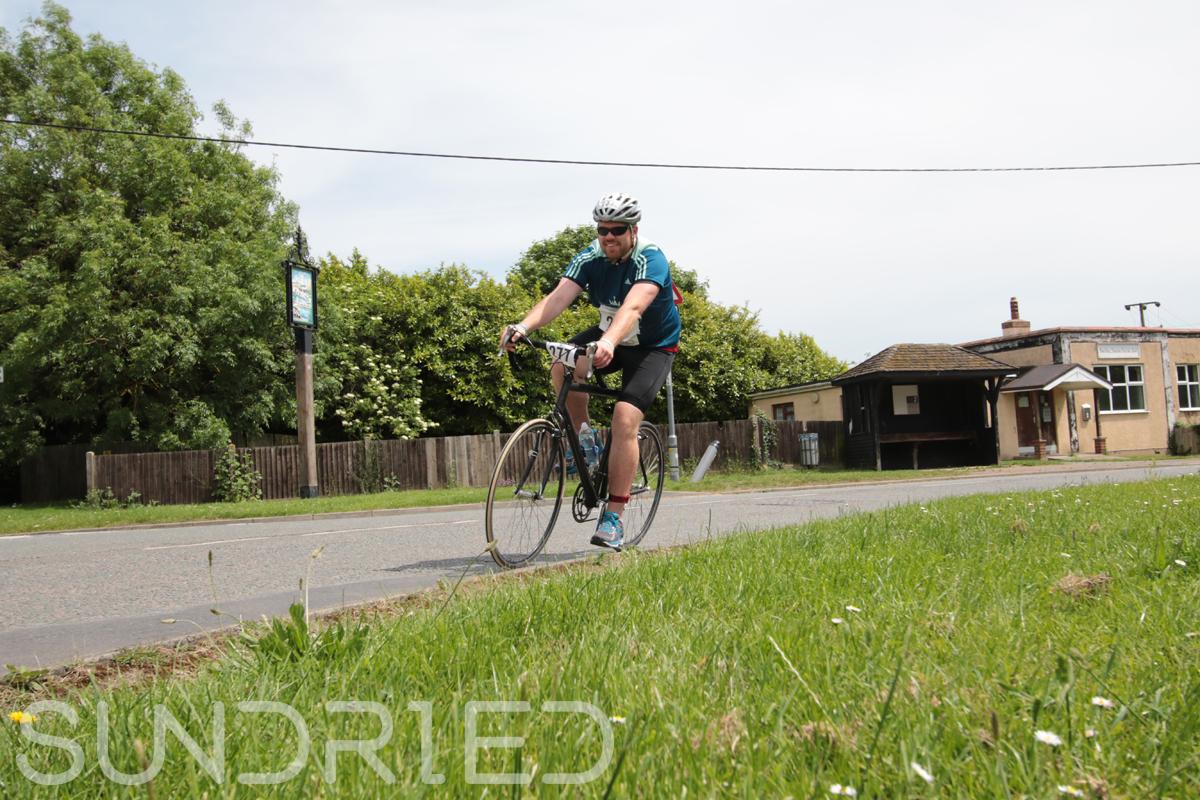 Southend-Triathlon-Cycle-Photos-in-Barling-Corner-224.jpg