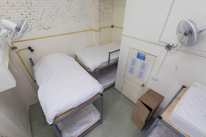 10-bed-dorm-hostel-dorm-room-5.jpg