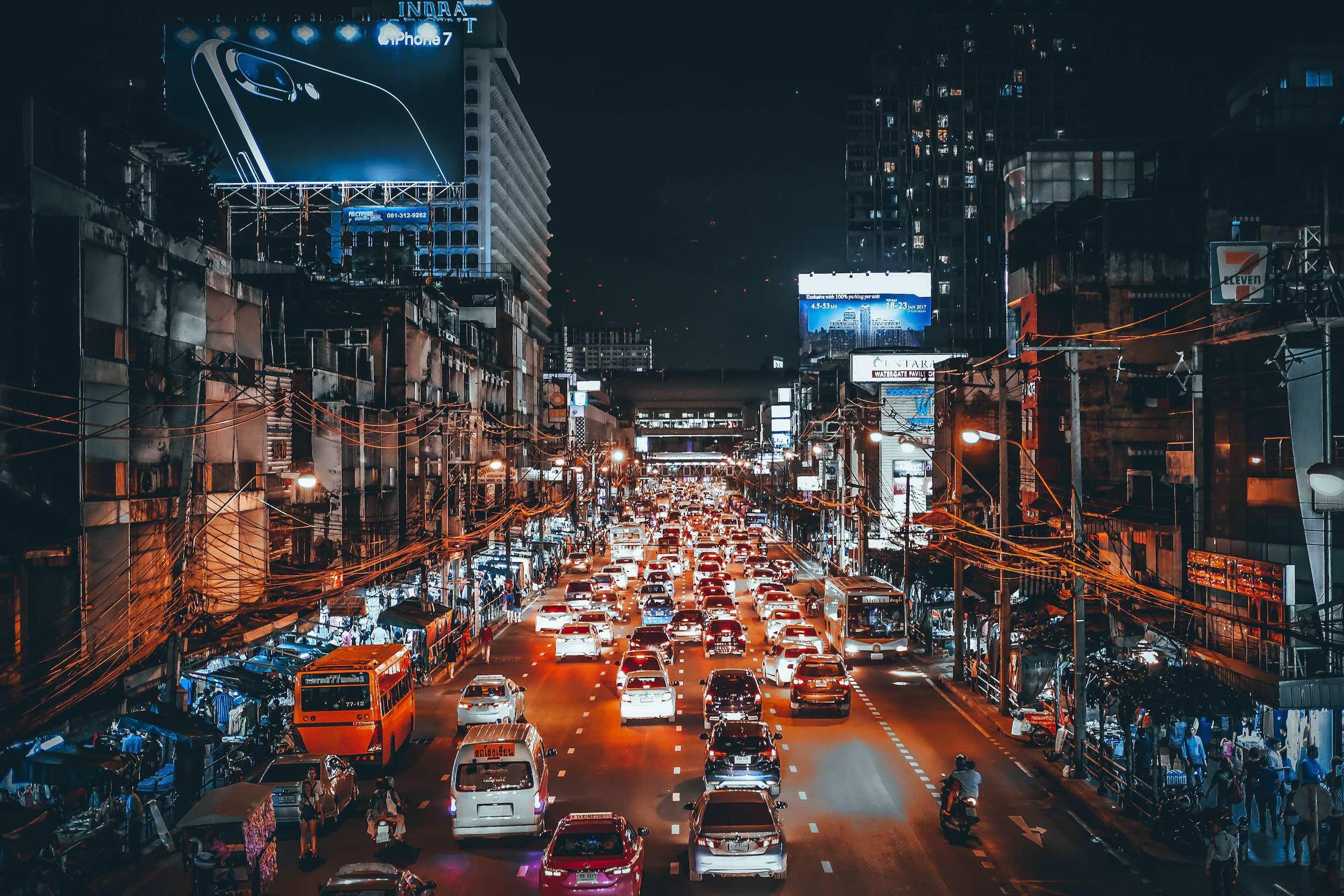 Bangkok_traffic_night_travel_bangkok.jpg