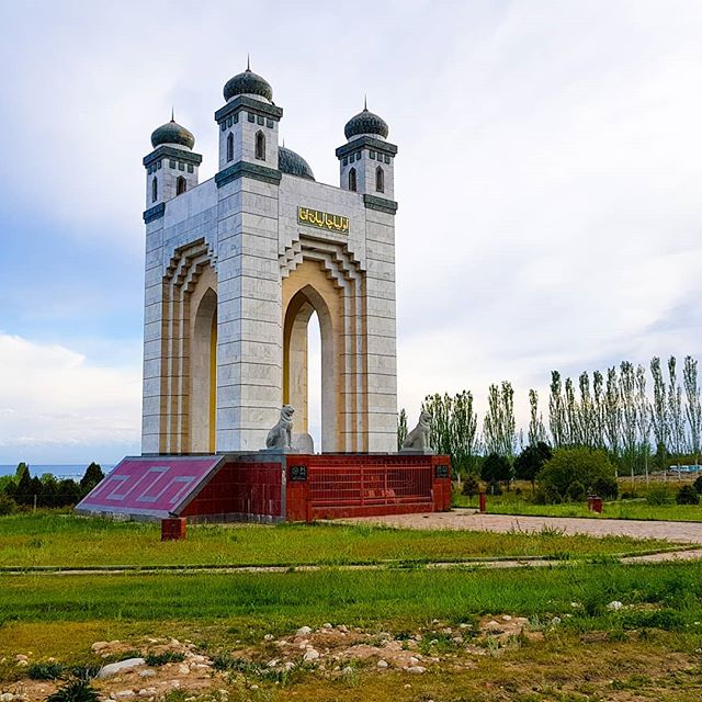Visiting the Oluya Cholpon Ata Mausoleum. By the banks of Issyk Kul lake it is a good short stop if you're driving through Kyrgyzstan or if you have time to kill in Cholpon Ata. . . . . . #issykkullake #issykkul #cholponata #Kyrgyztan  #kyrgyzstan🇰🇬 #kyrgyzcha_top #kyrgyz #kyrgyzstan_trip #issykul #centralasia #centralasiatravel #travelcentralasia #Bishkek #bishkekkyrgyzstan #slowtravel #travelslow #solotraveller #solotravel #nomadlife #backpacking #backpackingadventures #cultureredux #instatravel #traveladdict #travelholic #traveldeeper #offthebeatenpath #ontheroad #sovietunion #USSR