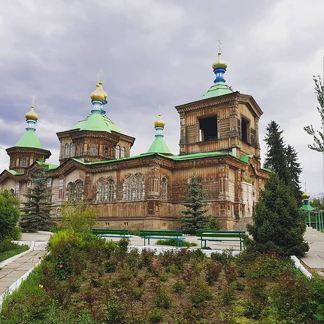 An old Orthodox church in Karakol, Kyrgyztan. So fascinating to see other branches of Orthodoxy create a spiritual community. . . . . . #Kyrgyztan #kyrgyzstan🇰🇬 #karakol #bishkeklive #bishkekcity #bishkekkyrgyzstan #centralasia #centralasiatravel #russianorthodox #orthodoxy #greekorthodox #religion #oldreligion #spiritualityawake