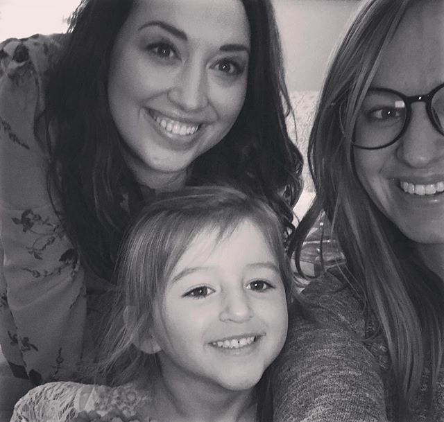 Yesterday, I️ headed to Indiana to visit with these two beauties and photograph their cozy in-home session! I️ can't wait to share! ❤️