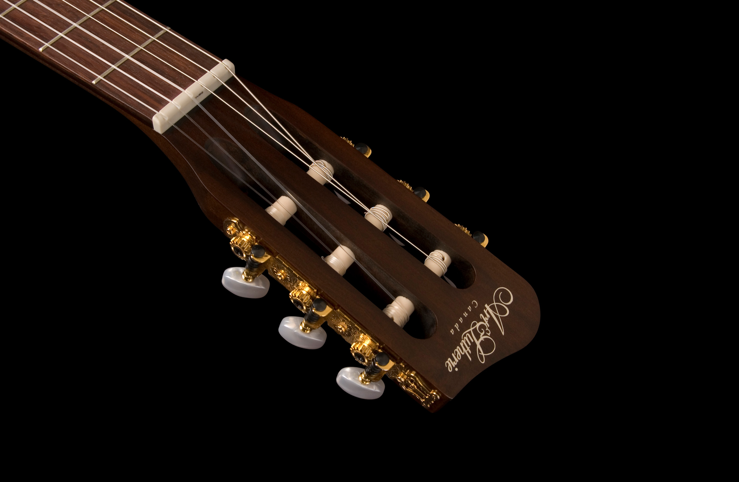 46591_roadhouse_nylon_bbst_headstock.jpg