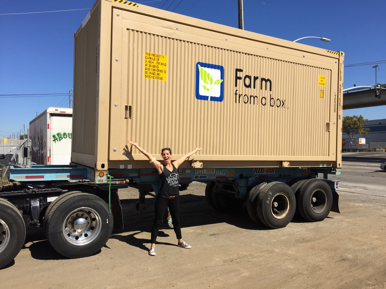 3053281-inline-s-3-this-all-in-one-box-brings-modern-agriculture-to-small-farms-and-refugee-camps.jpg