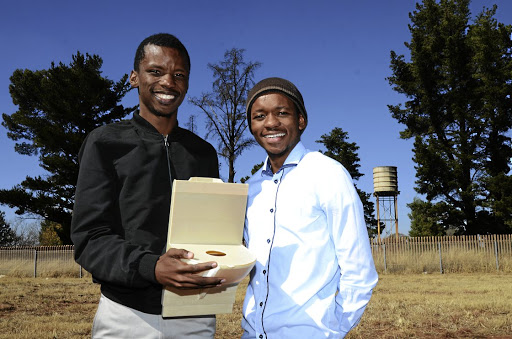 Engineers Mogale Maleka and Tumelo Pule have come up with hydroponic farming system that will change the future of agriculture in SA.Image:Mduduzi Ndzingi