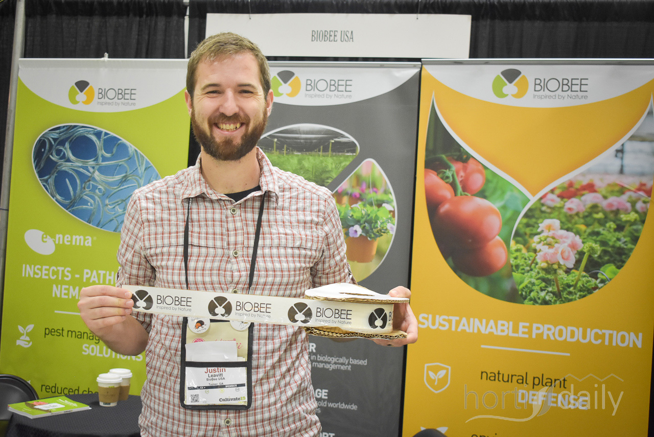 Feeding your beneficials during the start-up of the population! That can be done with this new Biobee product.