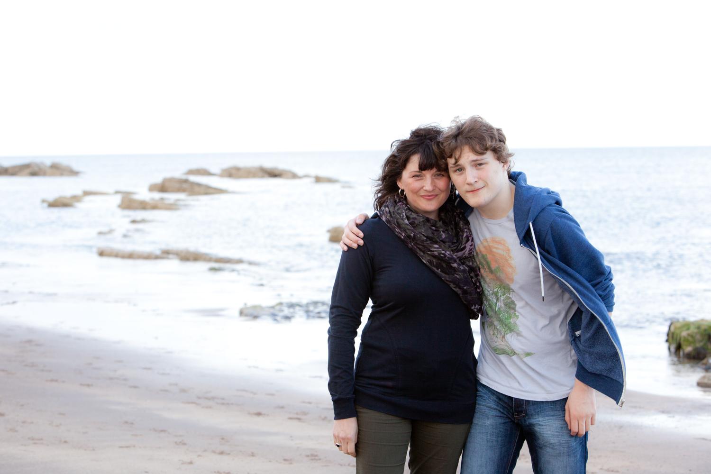 PICTORIAL_BERWICK_family-portrtait-beach-rainbow-sunshine-rain-love-1218.jpg