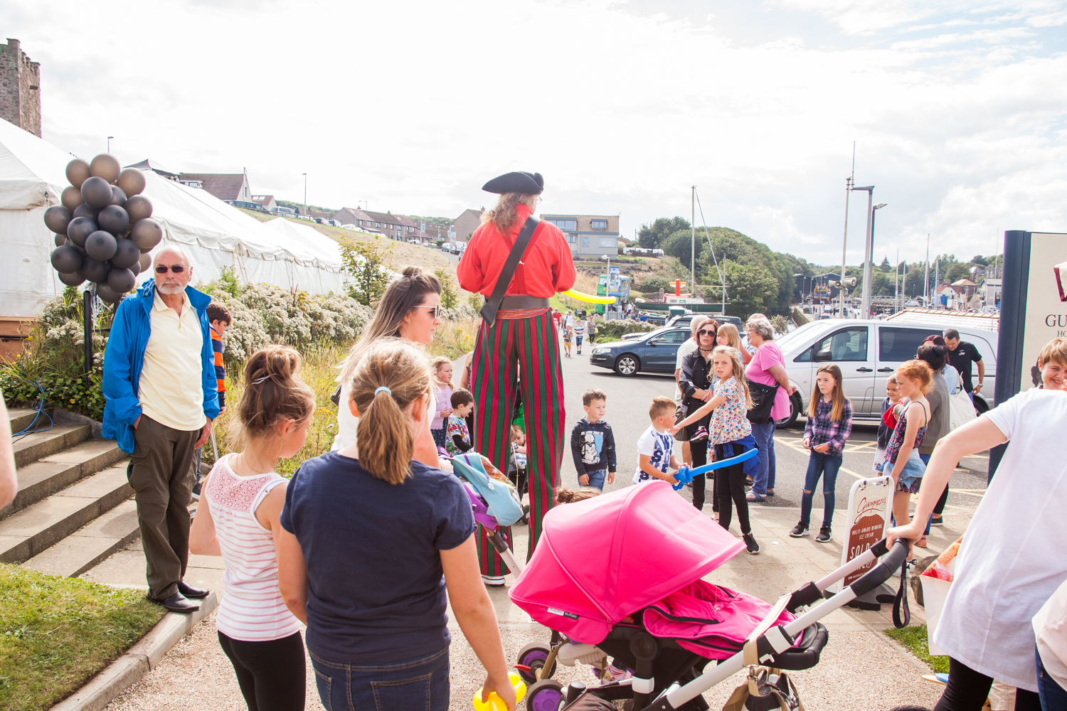PICTORIAL_BERWICK_eyemouth-gunsgreen-extravaganza-photography-entertainment-party-event-photographer-harbour-gary-dunn-dancers-stilts-performances-speeches-day-out-summer-4612.jpg
