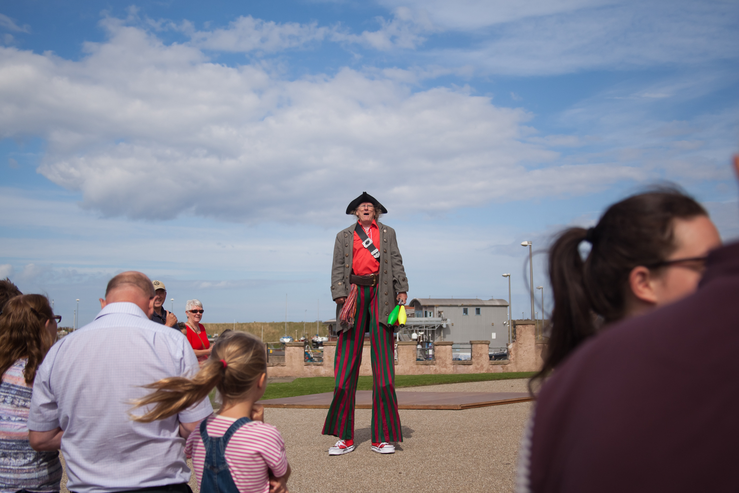 PICTORIAL_BERWICK_eyemouth-gunsgreen-extravaganza-photography-entertainment-party-event-photographer-harbour-gary-dunn-dancers-stilts-performances-speeches-day-out-summer-4529.jpg