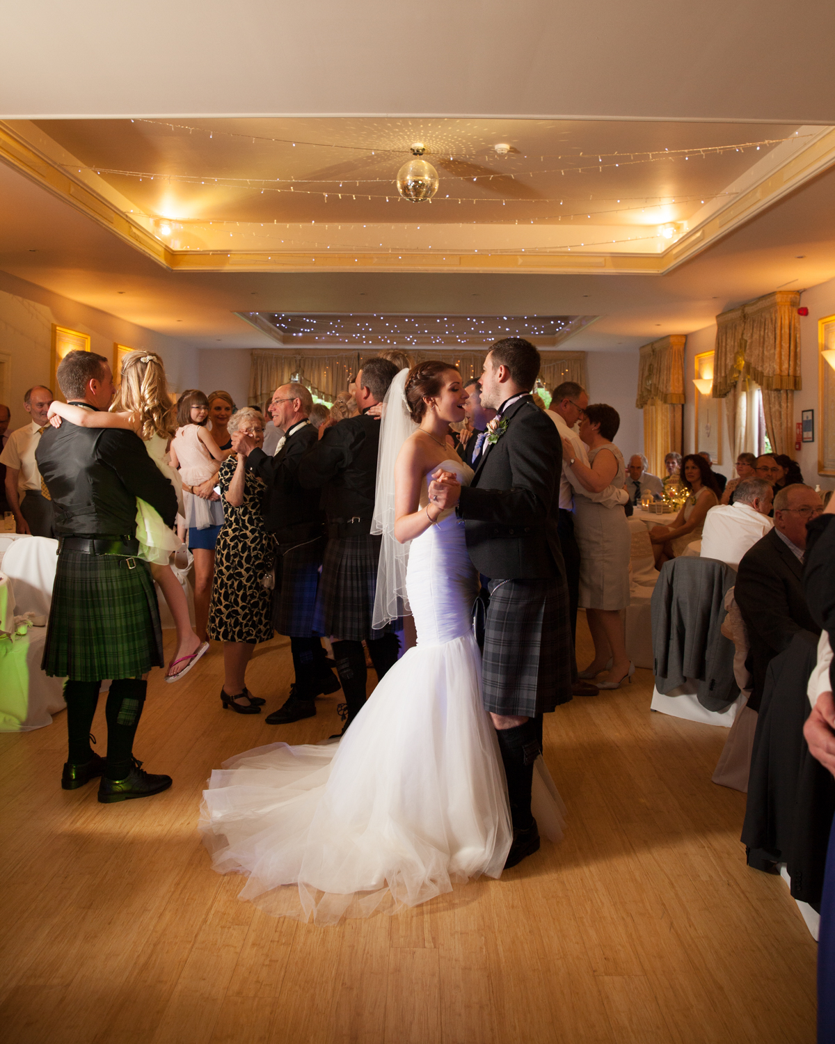 PICTORIAL_wedding_dryburgh_abbey_hotel_photographer_-318.jpg
