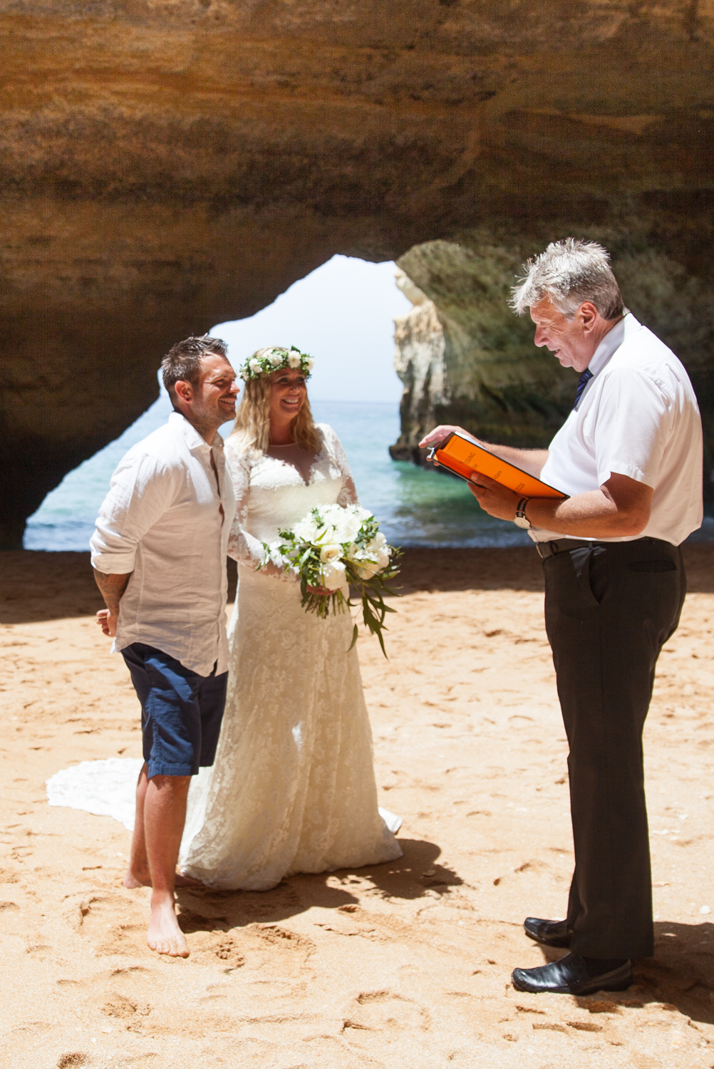 WEDDING_PORTUGAL_NOSOLOAGUA_CAVE_PICTORIAL_BERWICK-2301.jpg