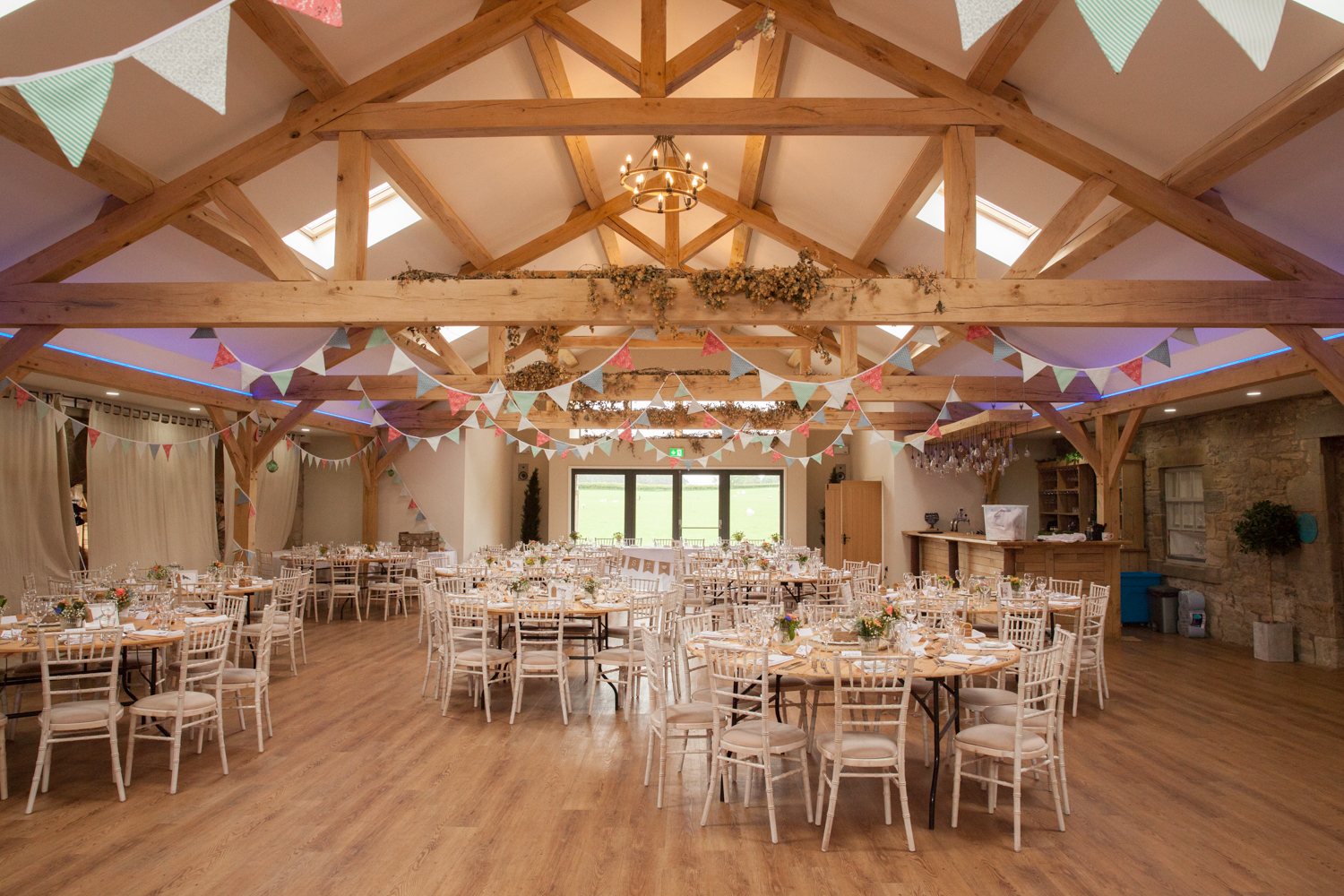 WEDDING_PICTORIAL_DOXFORD_BARNS_ALNWICK_BERWICK_SEASIDE_BUNTING_FARM-0071.jpg