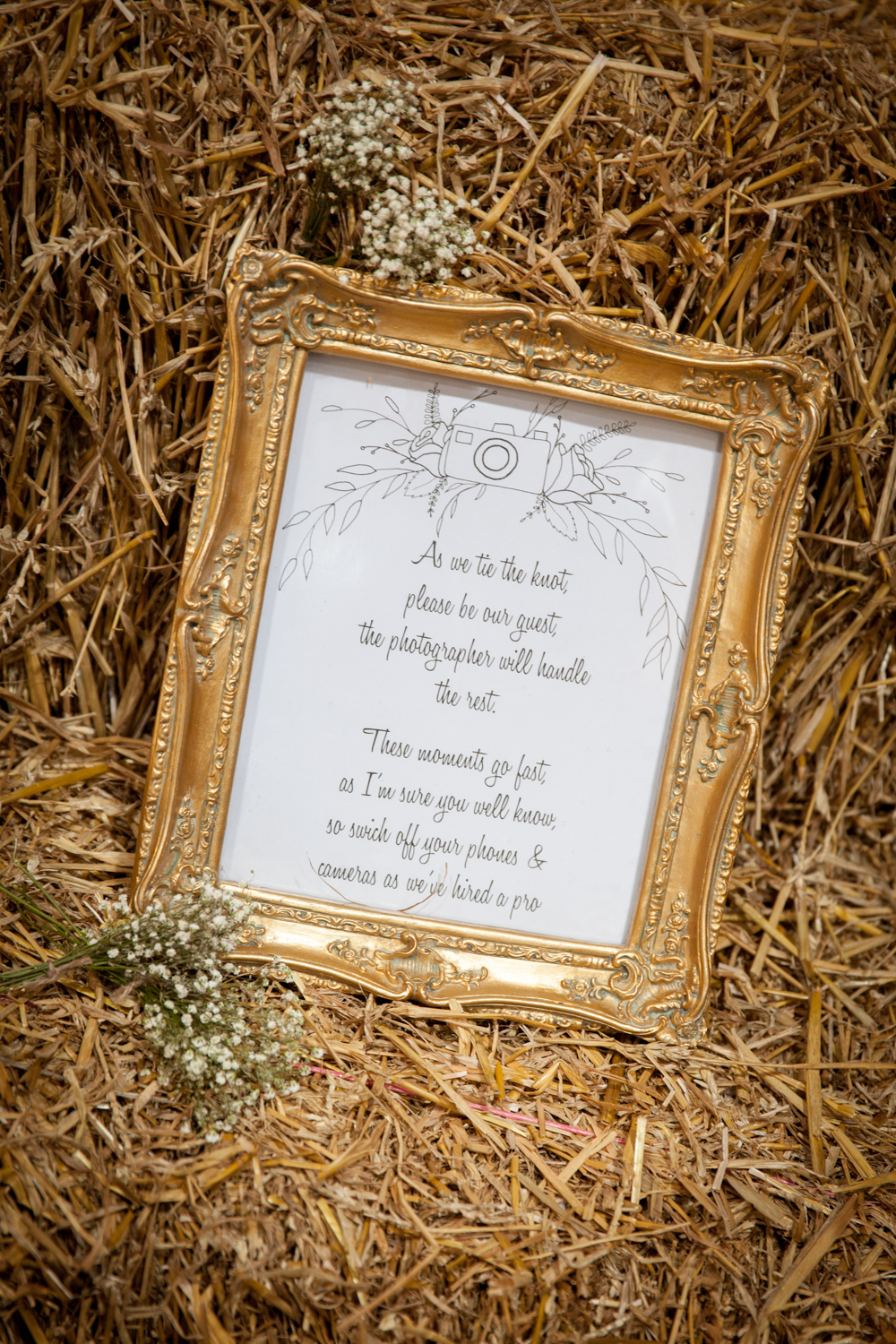 WEDDING_PICTORIAL_DOXFORD_BARNS_ALNWICK_BERWICK_SEASIDE_BUNTING_FARM-0637.jpg
