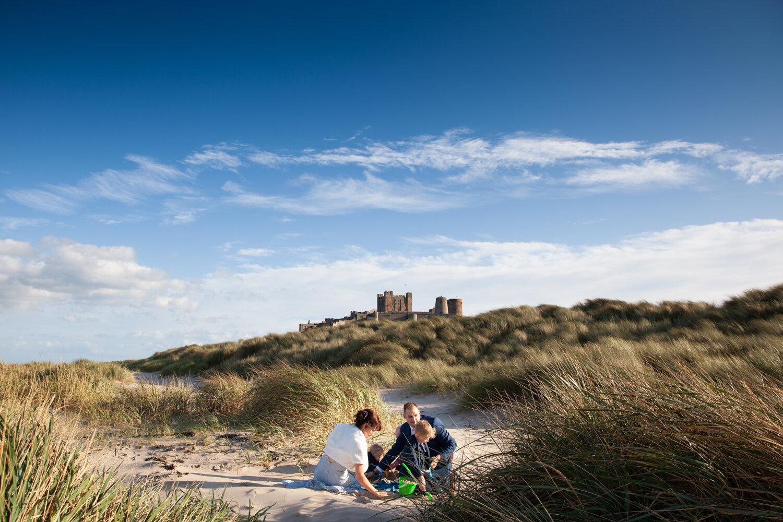 Bamburgh_Castle_Wedding_Photographer_pictorial_photography_tynemouth_beach_grand_crusoes_-7553.jpg