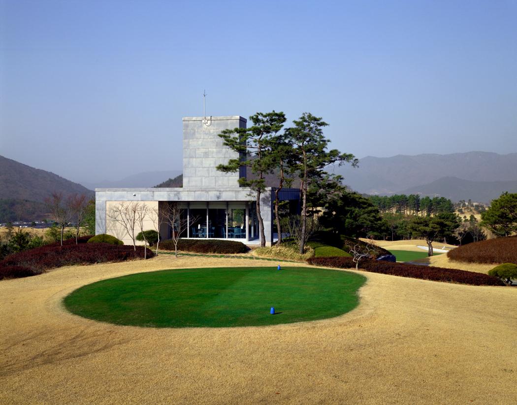 Yangsan Golf_tee house 2.jpg