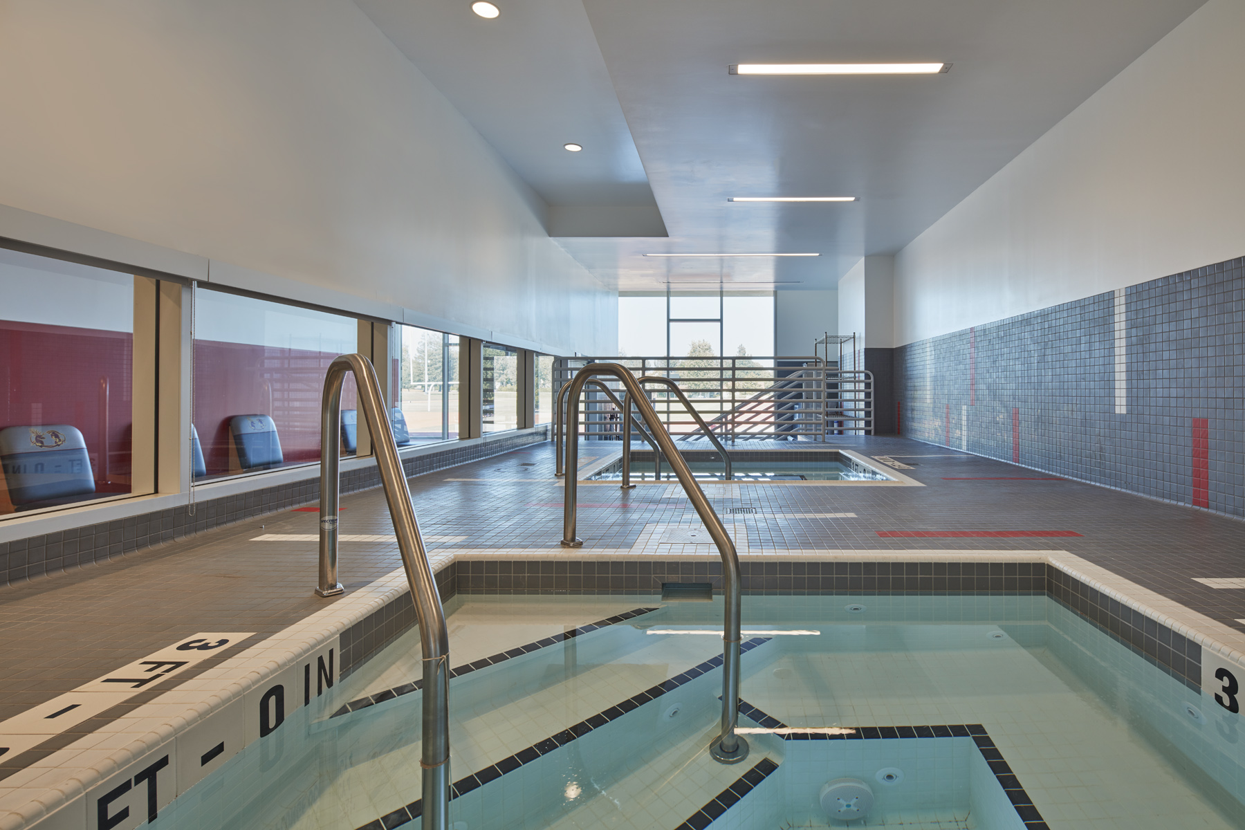 Hydrotherapy tubs in sports medicine center