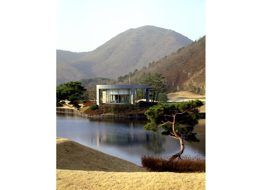 Yangsan Golf_tee house 1_V.jpg