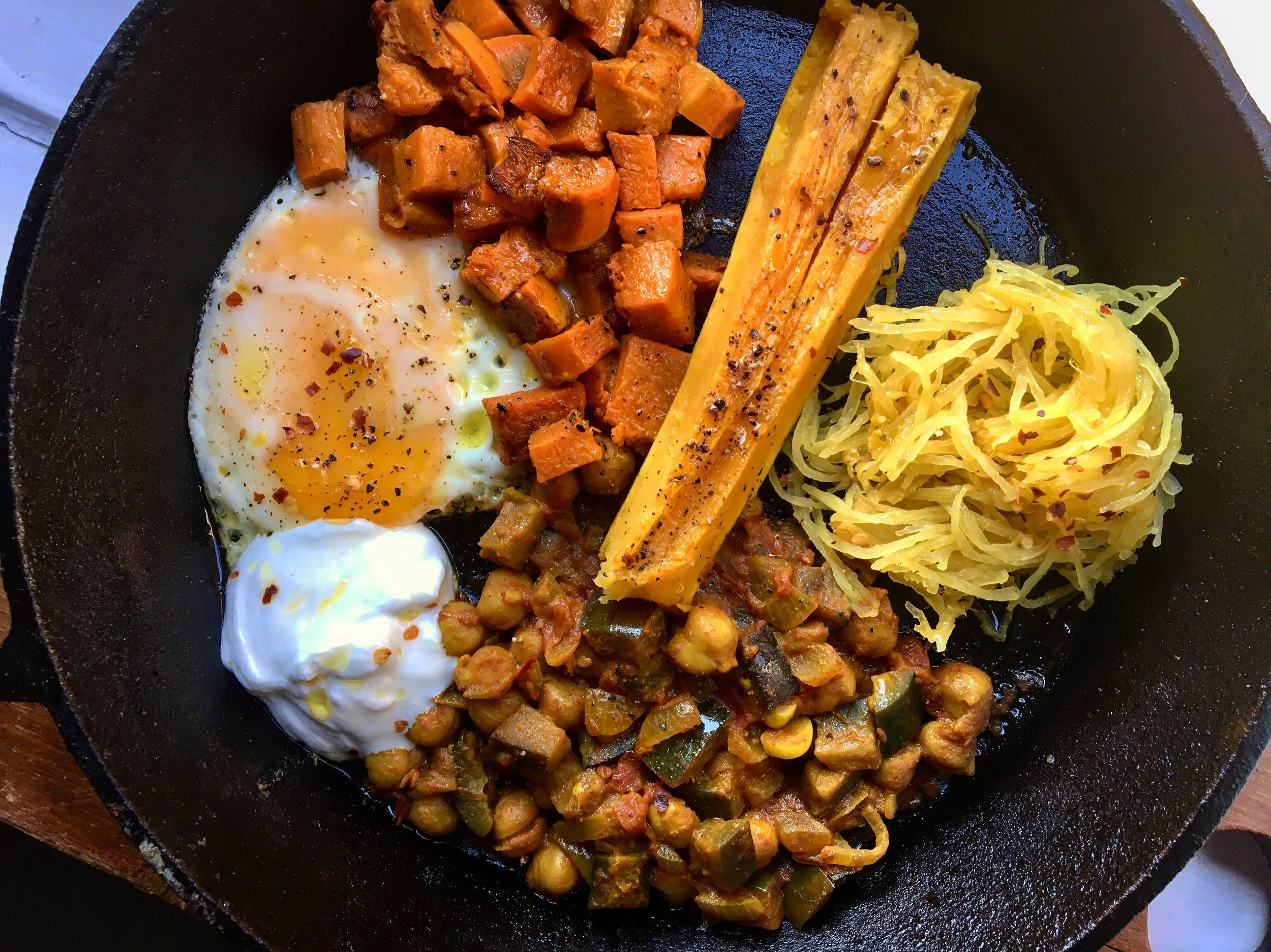 fall breakfast skillet: roasted honey nut, delicata + spaghetti squashes with chana masala + a fried egg