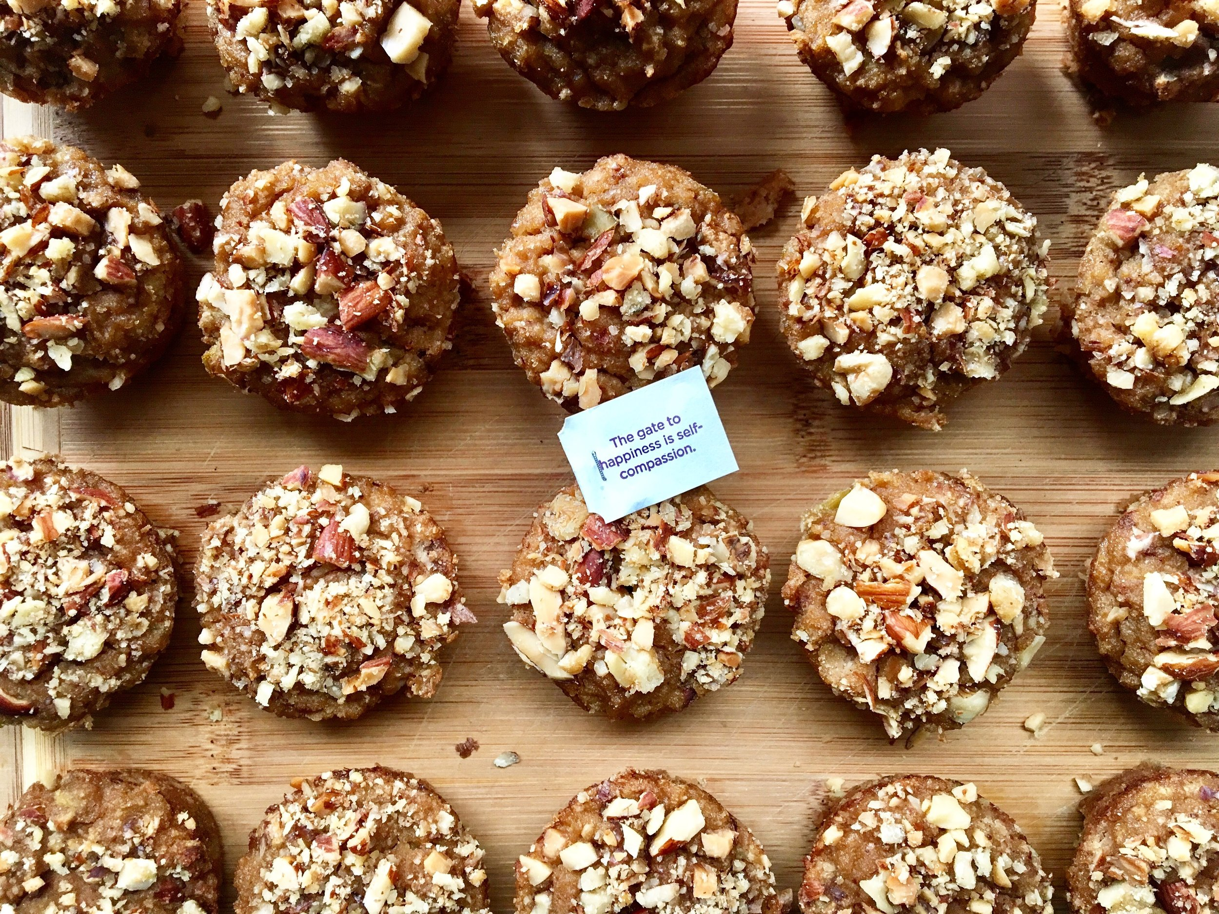 apple muffins with a message