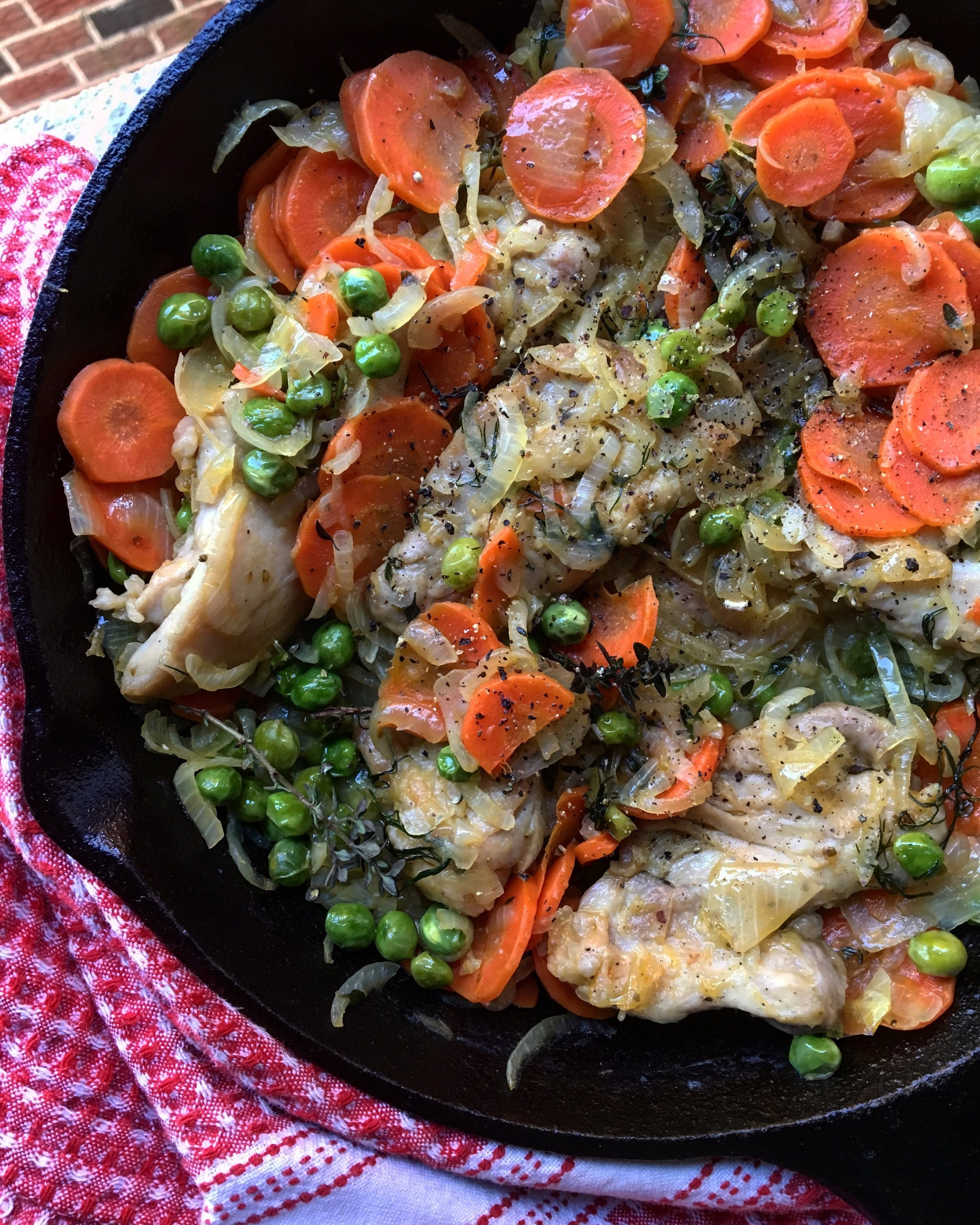 Chicken Thighs / Peas / Carrots / Herbs