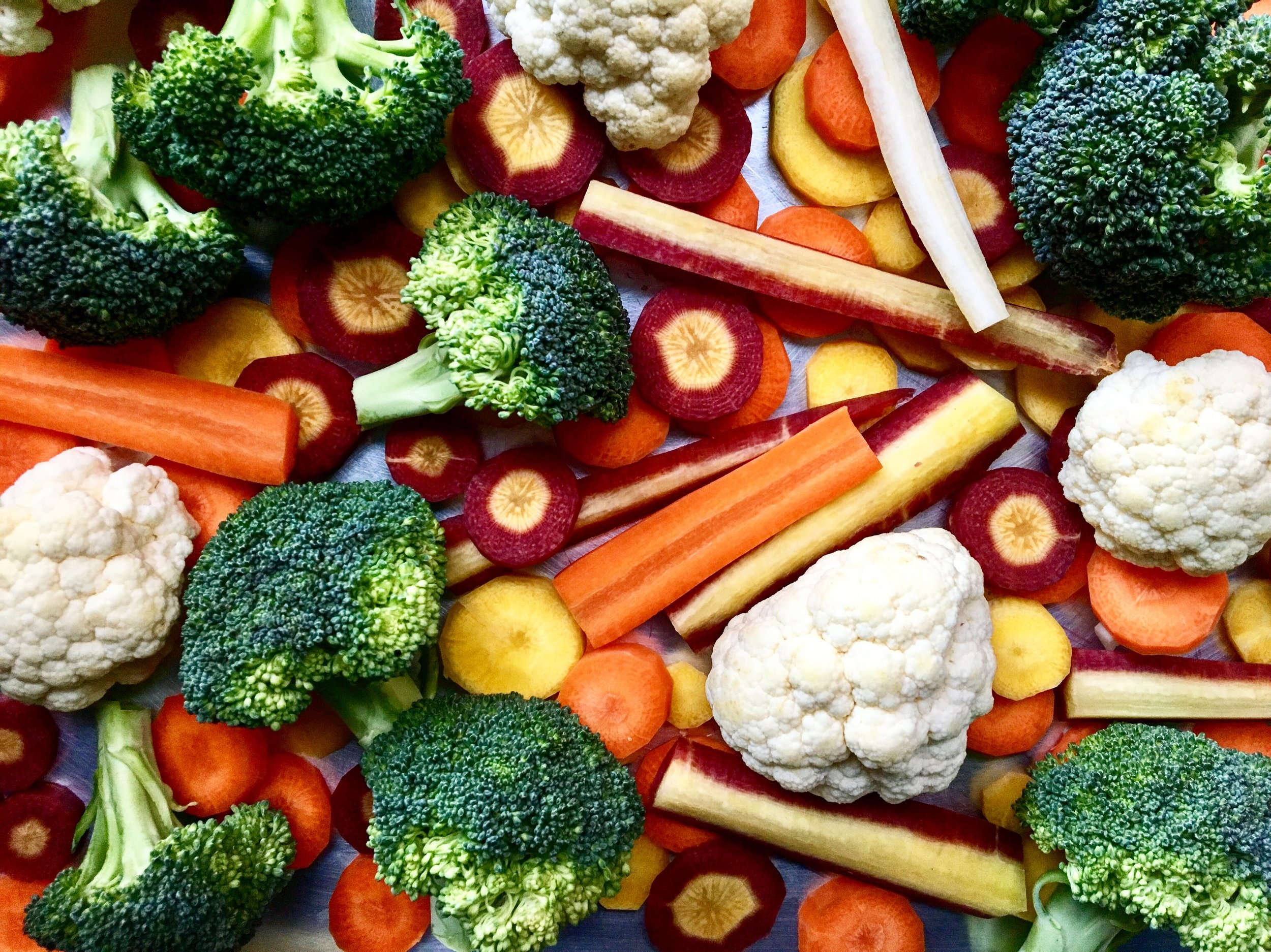 Tri-Colored Carrots + Some Cruciferous Companions / before the roast