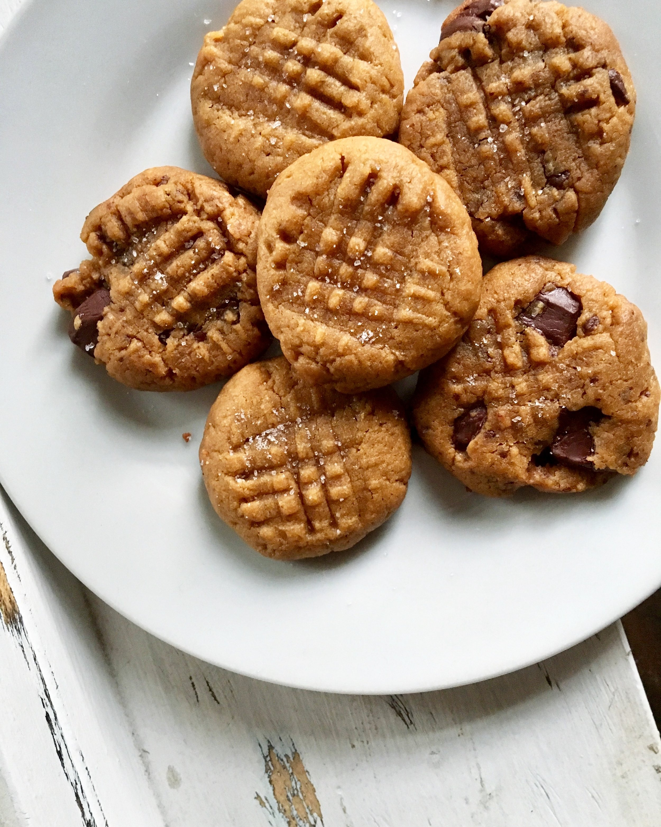 Salted Dark Chocolate Peanut Butter Cookies: All natural / 7 ingredientS