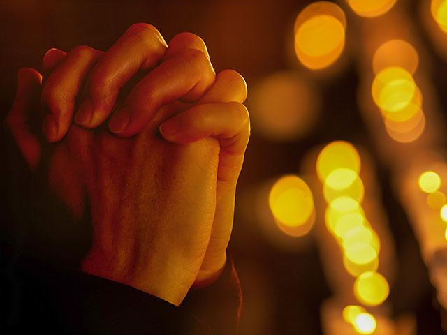 prayinghandsas_si.jpg