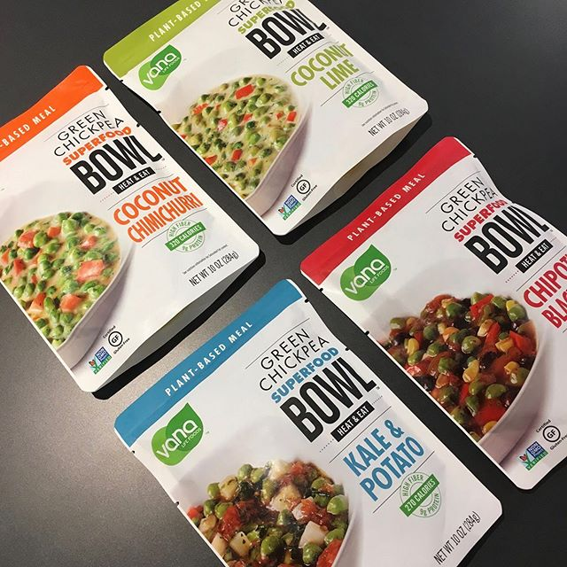 @vanalifefoods makes #plantbased eating easy and delicious 🍃🥥🍅🌿 Here's our recent #packaging #design for their pouches of green chickpea superfood bowls 🥣 available at @walmart