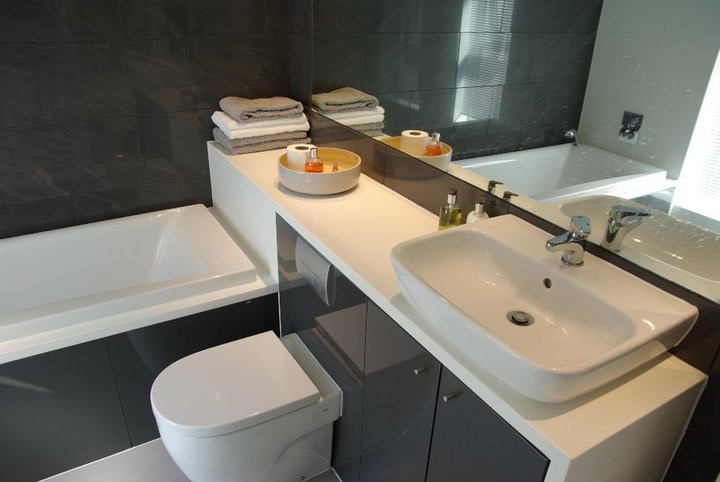 mikes bathroom.jpg