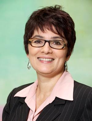 Dr. Débora Junker