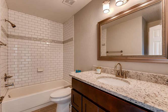 10430 W 82nd Pl Arvada CO-small-020-16-Bathroom-666x445-72dpi.jpg