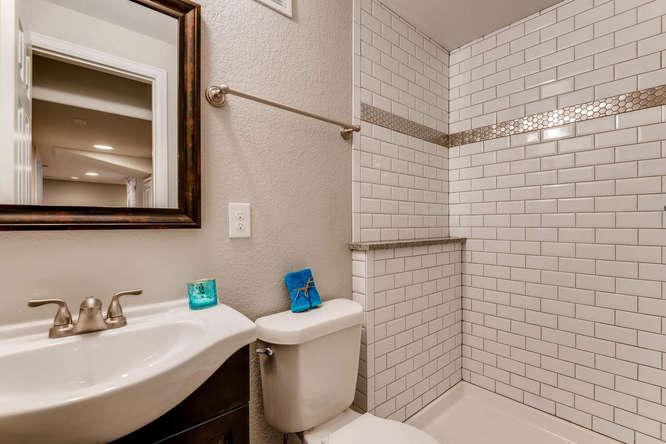 10430 W 82nd Pl Arvada CO-small-024-19-Lower Level Bathroom-666x445-72dpi.jpg