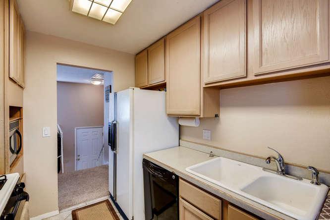 9162 Everett Way Westminster-small-011-8-Kitchen-666x444-72dpi.jpg