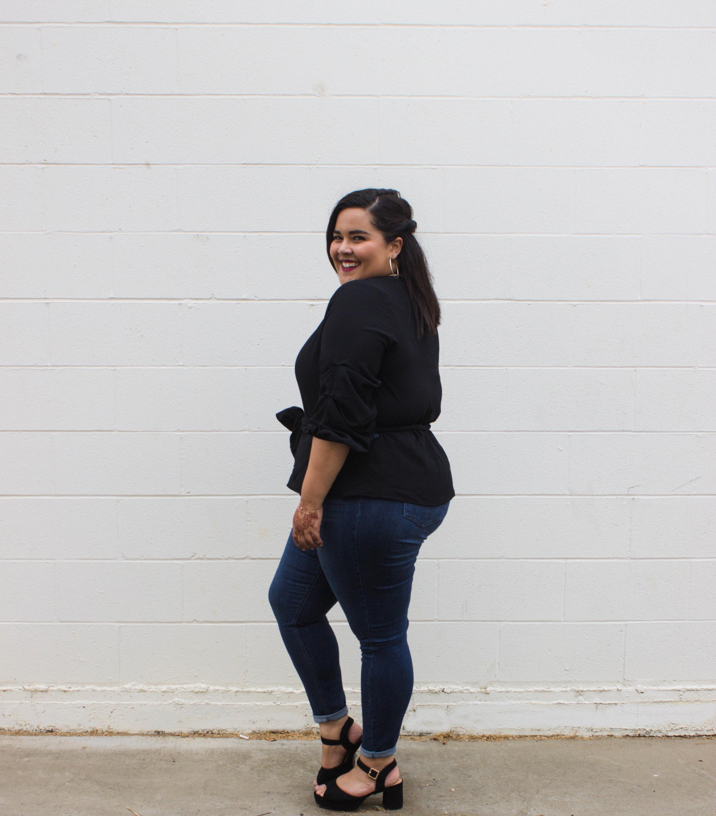 """Fashion Nova """"Tell No Secret"""" Jeans Dark Denim - $29.99"""