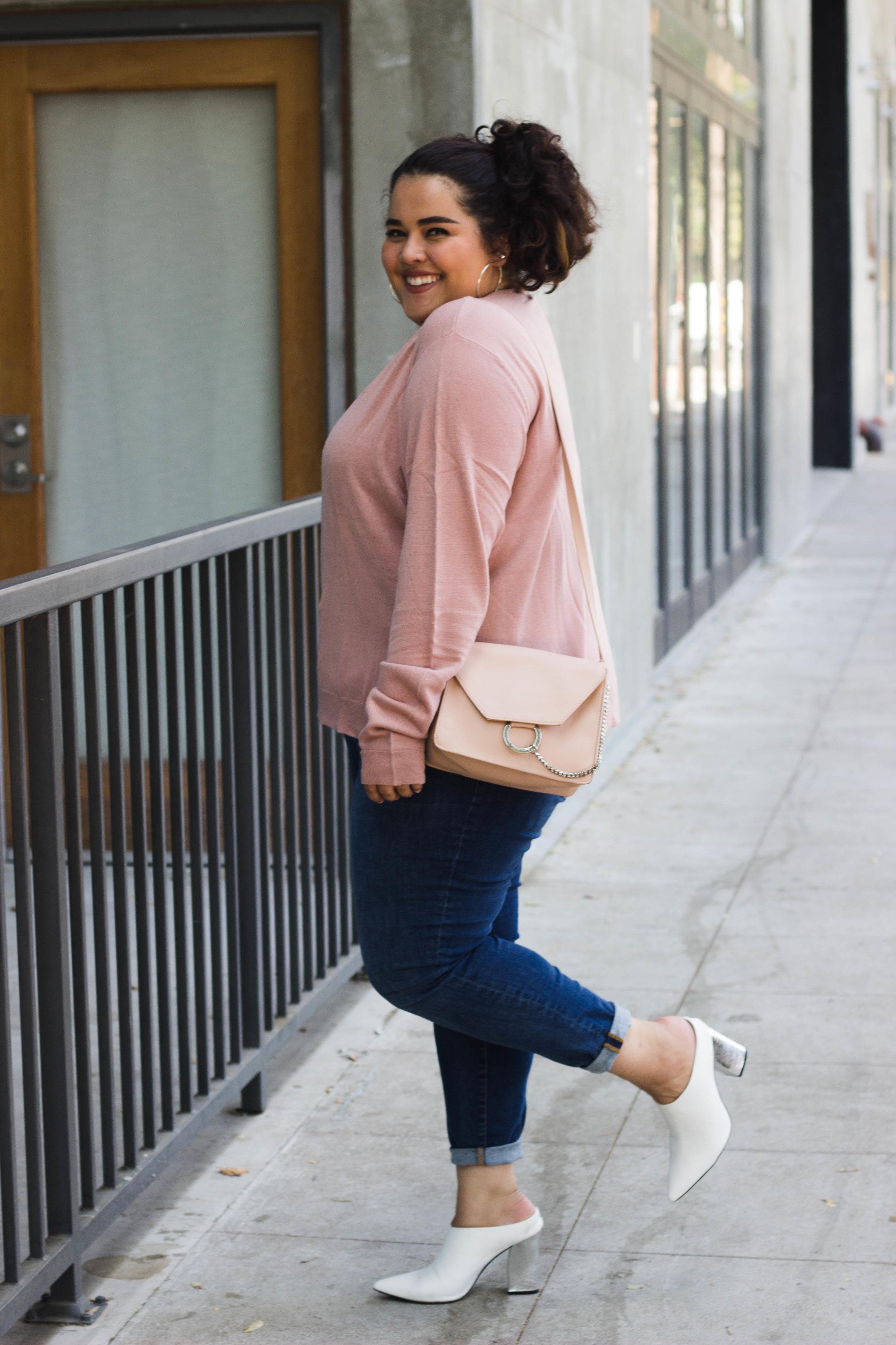 pinksweater (22 of 24).jpg