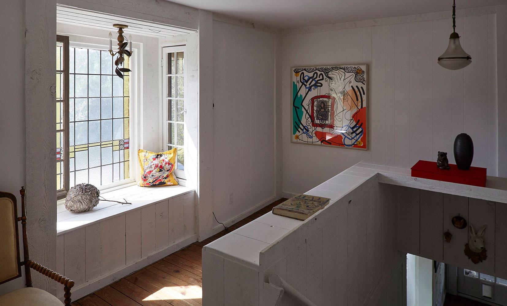 RANCH-09-Hallway.jpg