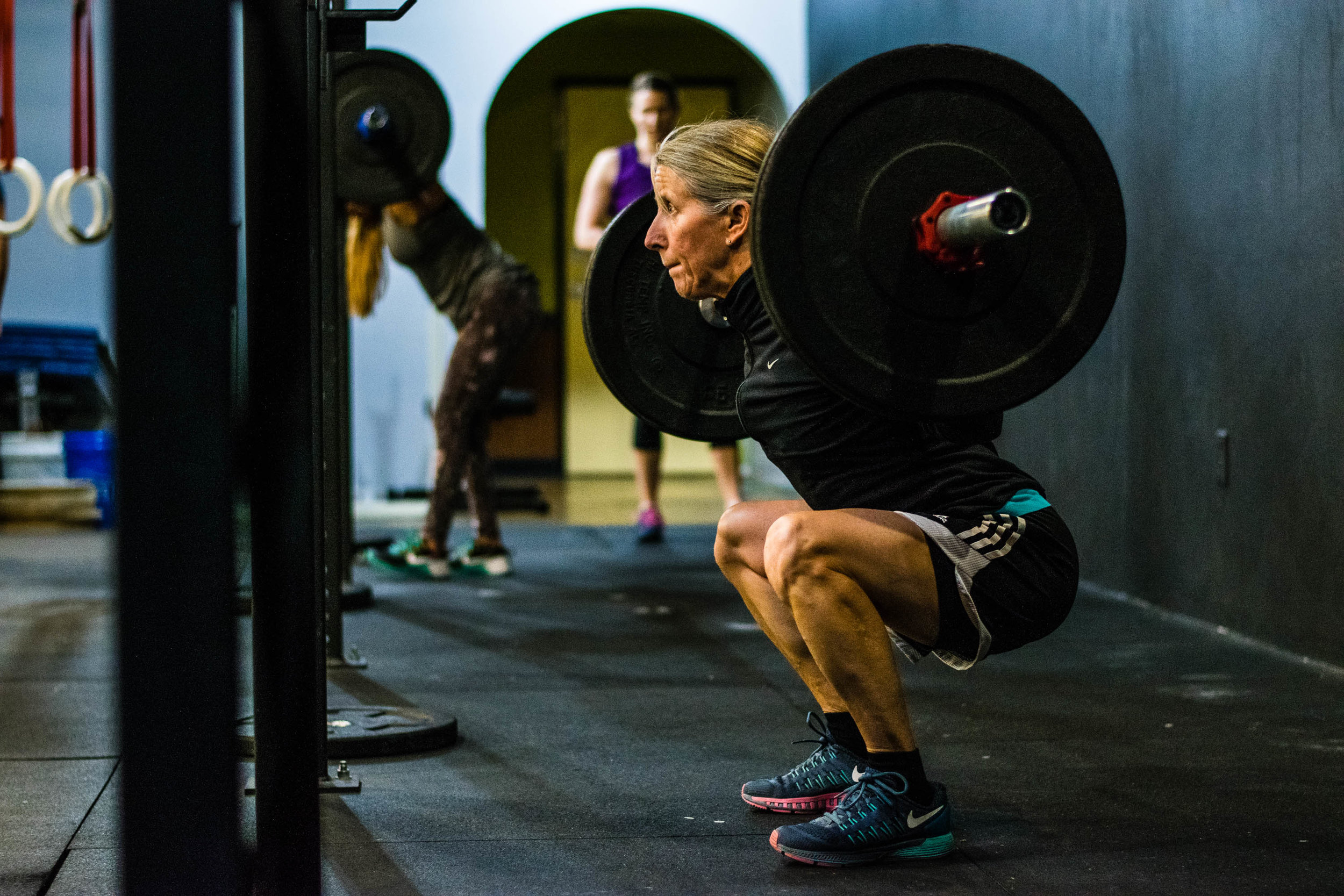 what distinguishes    CrossFit  from other approaches to fitness?   CrossFit explained