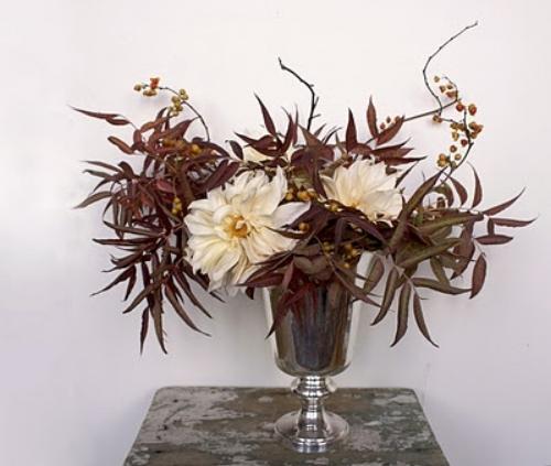 Ariel Dearie flowers via  Design Sponge