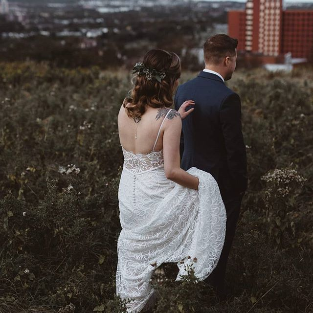A first look with the city ✌ . . . . . . . . . . . . . . . . . . . .  #newfoundlandelopement #newbrunswickelopement #novascotiaelopement #communityovercompetition #creativeentrepreneur #quidividielopement #risingtidesociety #halifaxelopementphotographer #peiphotographer #newfoundlandweddingphotographer #canadianelopementphotographer #dirtybootsandmessyhair #bohoweddinginspo #bohoelopement #freespiritedwedding #belovedstories #destinationelopementphotographer #quidividi #radlovestories #loveandwildhearts #photobugcommunity #lookslikefilm #heyheyhellomay #adventurouswedding #bohobride #indiebride #stjohnselopement #offbeatbride