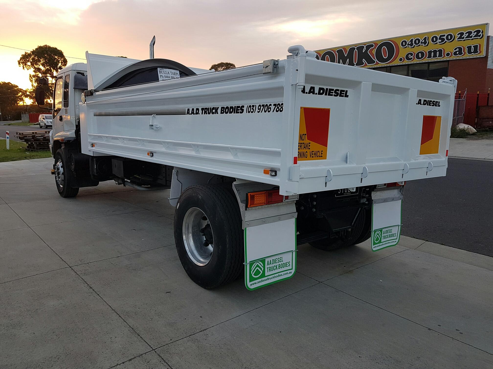 Custom tipper truck body