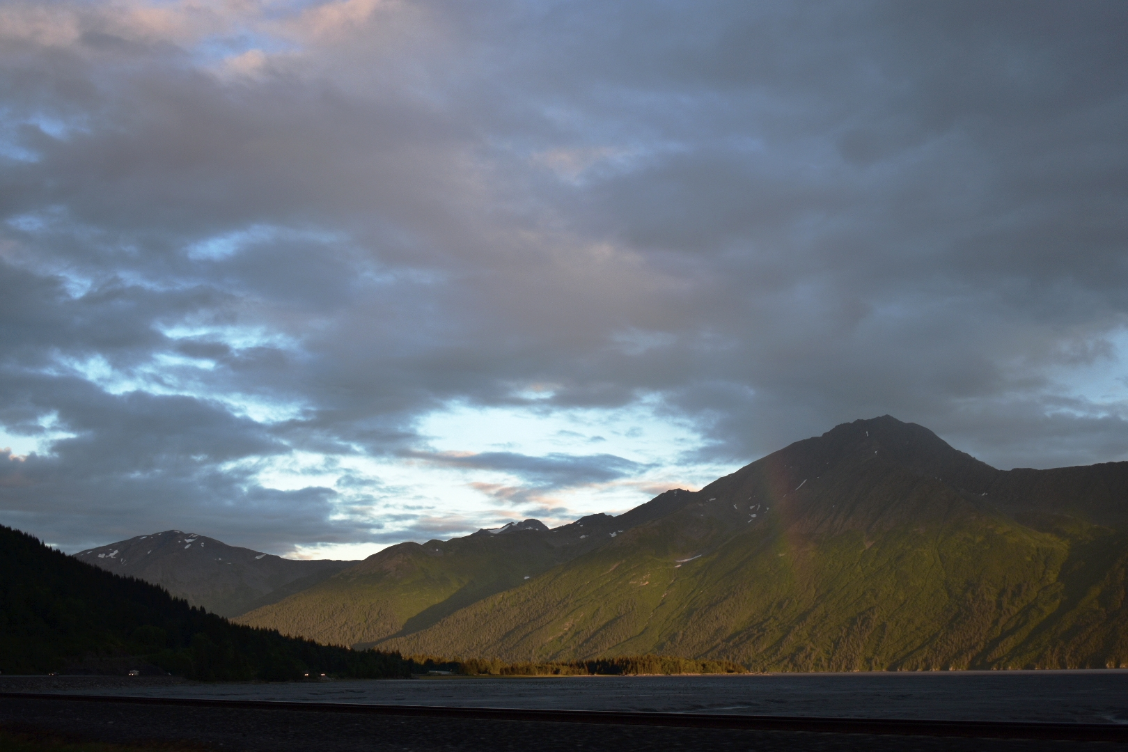 This rainbow had people pulling over all along the Turnagain Arm.