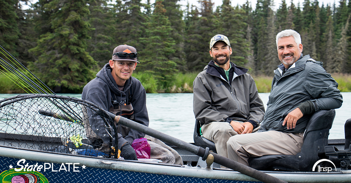 Dave and Felix hosted American Idol winner Taylor Hicks and had a great day on the water fishing for King Salmon!