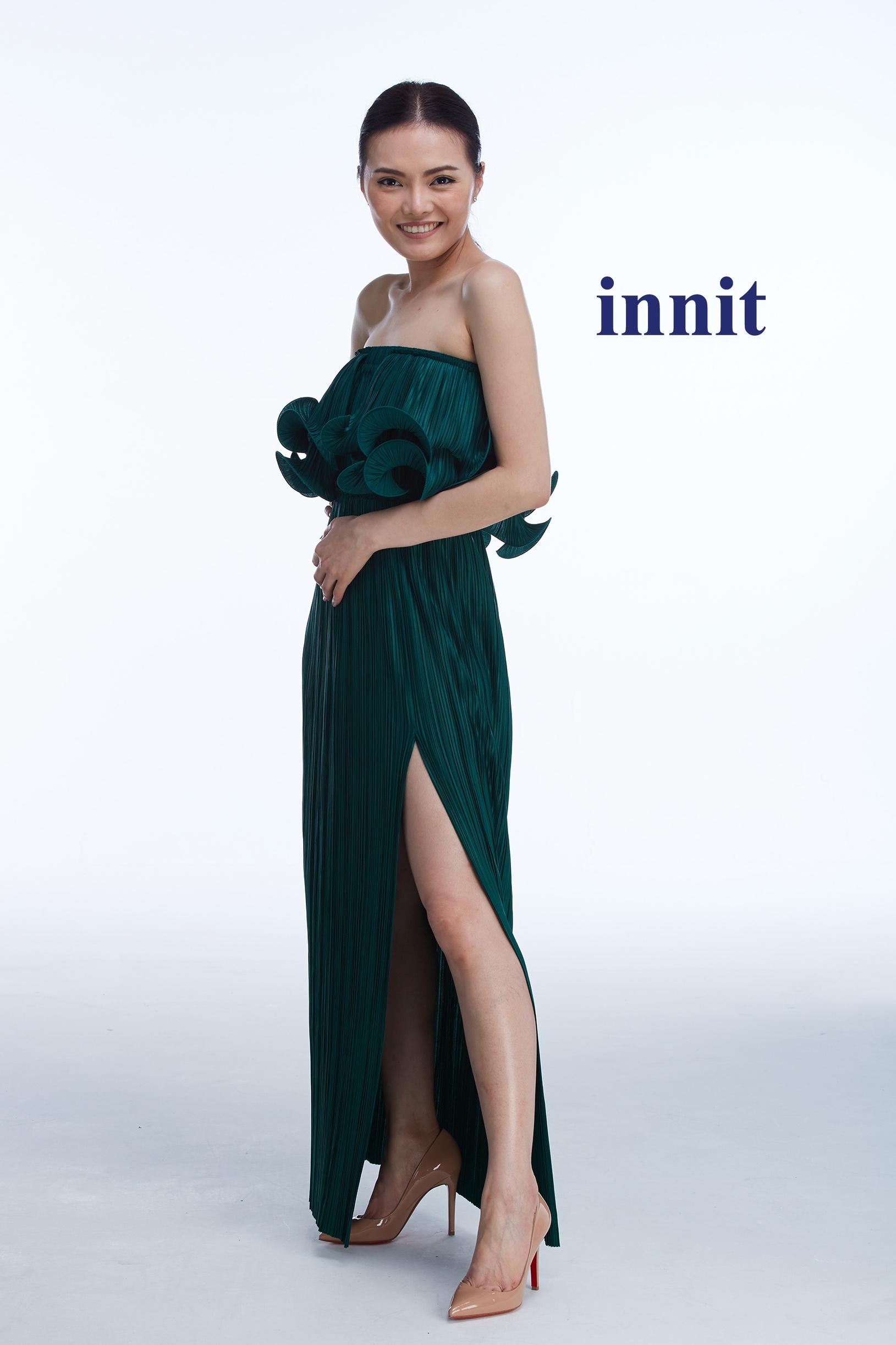 SLIT SKIRT   L  olite Skirt worn as a top