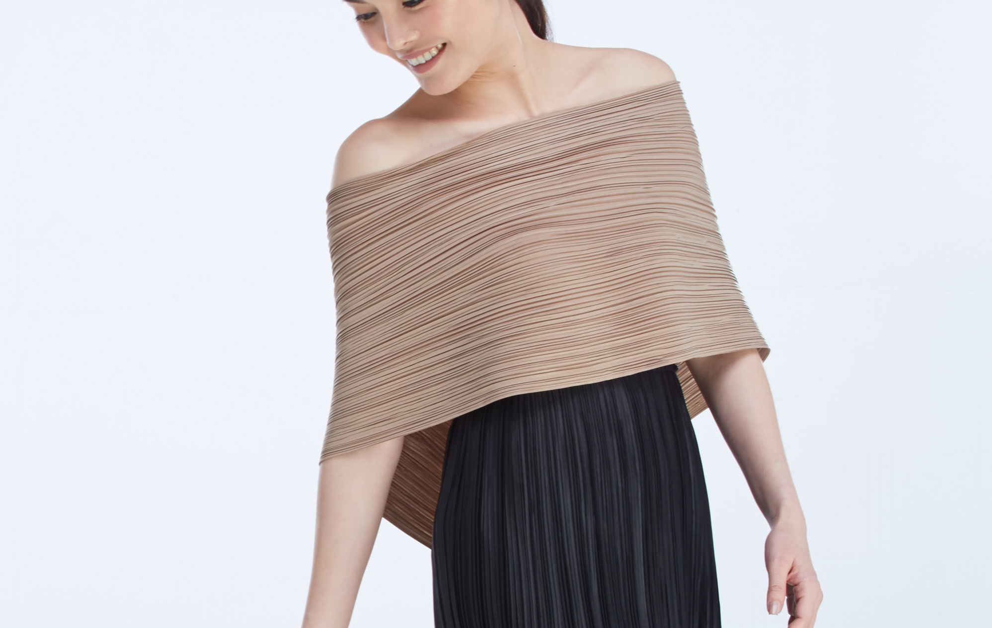 worn with  PLEAT SKIRT