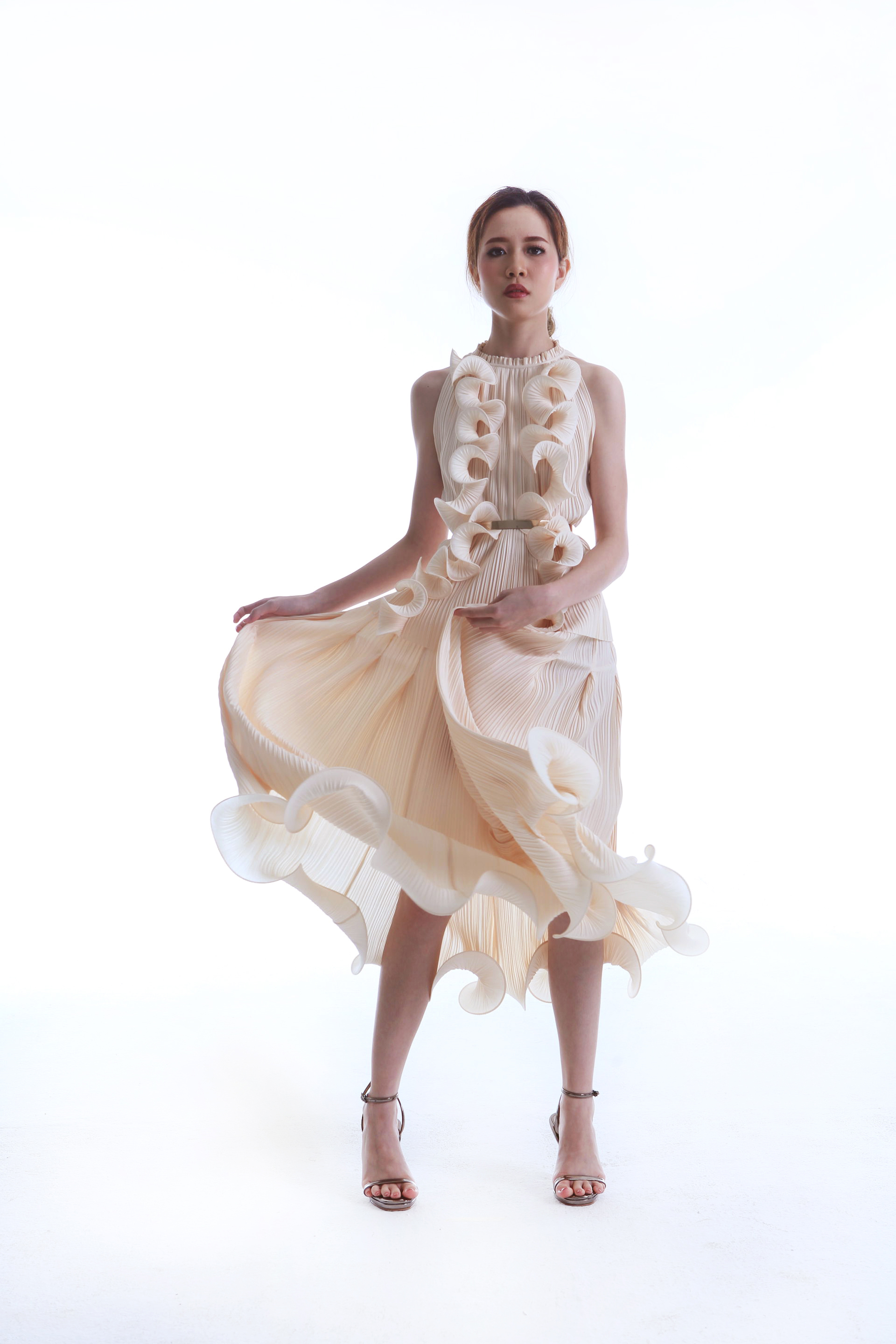 Para Top worn with Flame Curl Skirt
