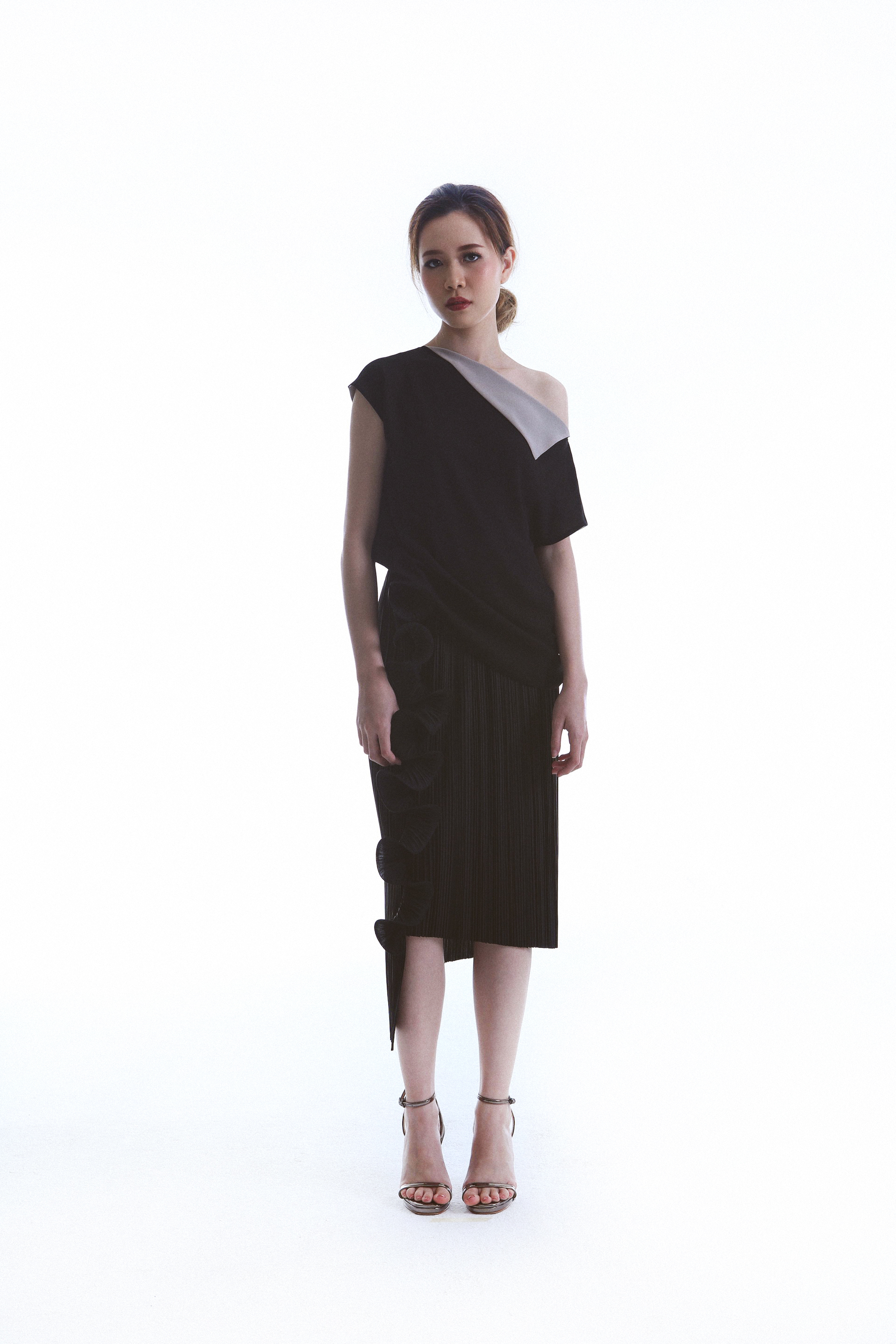 So Top worn with Till Skirt