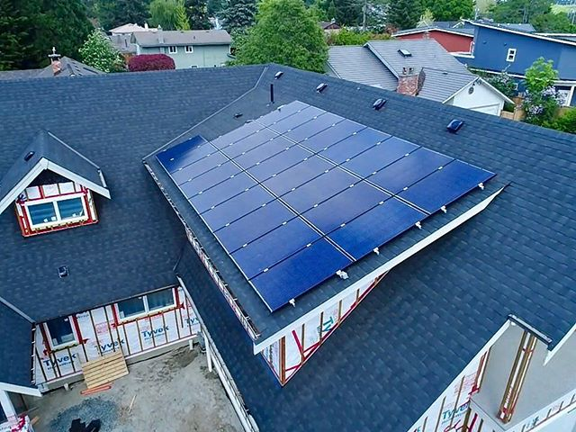This 25 panel system High Tide Energy designed and installed is tied to the grid helping offset the energy costs to finish the build on this custom home! ☀️ . . . . #renewableenergy #greentech #solar #solarpanels #britishcolumbia #hightideenergy