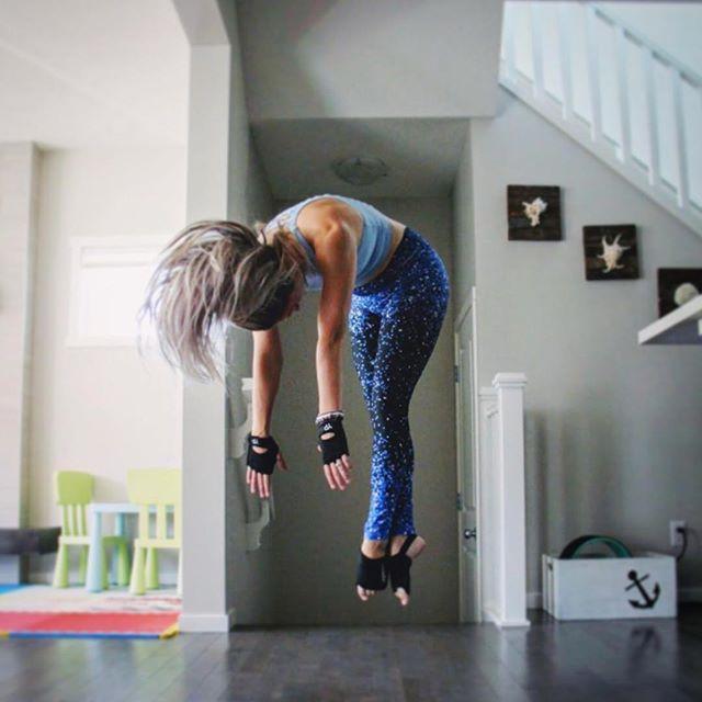 New BLOG on Yoga Injuries now up on the website. Check link in bio and thanks Jess @byronbayyogi for writing the blog ! 🐾🧘🏻♀️ . . #infinitystrap #infinitybrik #yogapaws #yogapawsaus🐾 #wearyourmat #yogablocks #brik #doyogaanywhere #doyogaeverywhere #yogafit #yogainspiration #yogalife #yogaeverydamnday #yogaoutside #yogamom #strongwomen #stretch #practiceandalliscoming #practicemakesperfect #weekendyoga #namaste #wecandoit #lotuspose #peacockpose #feelthevibes #blogpost #yogainjury #yogainjuries